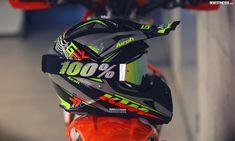 Buy Motorcycle, Motorcycle Helmets, Jawa 350, Off Road Helmets, Hjc Helmets, Dirt Bike Gear, One Of The Guys, Dirtbikes, Motocross