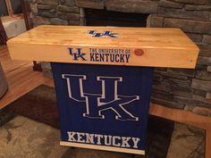 University of Kentucky Tailgating Bar - Cool Tailgating Ideas Kentucky Basketball, Duke Basketball, Kentucky Wildcats, College Basketball, Basketball Players, Soccer, Cheer Athletics, Mobile Bar, Kansas Jayhawks