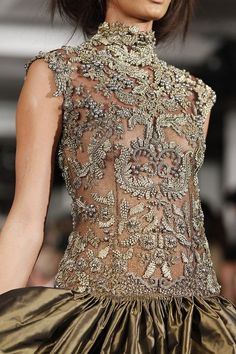 Love the grey/antique embroidery !!
