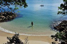 Praia da sepultura, em Bombinhas, litoral de Santa Catarina                                     BRAZIL