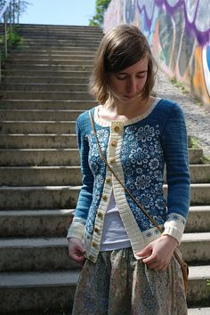 Ravelry: puenktchen's consequence  Mash up of Perianth from Twist Collection, a baby blanket and cardigan