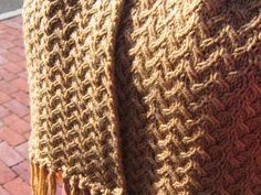 Grumperina goes to local yarn shops and Home Depot-shifting sands crochet stitch