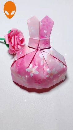 Amazing Paper Craft Ideas You Should Learn – Origami Diy Crafts Hacks, Diy Crafts For Gifts, Diy Arts And Crafts, Creative Crafts, Diy Origami, Origami Dress, Paper Crafts Origami, Paper Crafts For Kids, Diy Paper