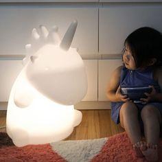 Große Einhorn-Leuchte mit Farbwechsel-LED und Fernbedienung als Geschenk für kleine und große Kinder ;)