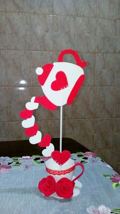 Fathers Day Crafts, Diy Crafts For Gifts, Diy Arts And Crafts, Diy Angel Wings, Diy Wings, Valentines Art, Valentines Day Decorations, Alice In Wonderland Tea Party Birthday, Minnie Mouse Balloons