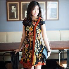 Picture end result for gown batik trendy easy Picture end result for gown batik trendy easy Blouse Batik, Batik Dress, Blouse Dress, Batik Parang, Batik Solo, Batik Kebaya, Batik Fashion, Ethnic Outfits, Emo Outfits