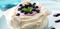 Blueberry Meringue Cake: A light dessert perfect for any dinner party