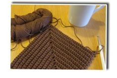 Diy And Crafts, Projects To Try, Handmade, Crocheting, Ideas, Macrame Patterns, Tricot, Hot Pads, Crochet Basket Pattern