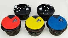 In this video we show you how to make Star Trek uniform cupcakes with matching star backdrop cupcakes. These Star-Trek cupcakes are quick the easy to make .....