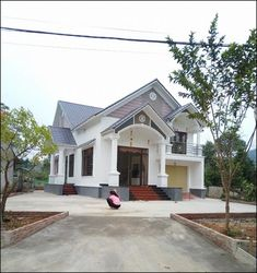 Indian House Exterior Design, Color Combinations Home, Thai House, Indian Homes, Home Fashion, Classic House, Easy Drawings, Lunges, House Colors