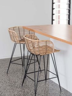 Stylish Modern Rattan Barstools With Metal Framing And Legs Wicker Counter Stools, Woven Bar Stools, Rattan Bar Stools, Outdoor Bar Stools, Kitchen Counter Stools, Kitchen Benches, Unique Bar Stools, Dining Chairs, Island Stools