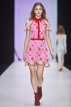 Yasya Minochkina Russia Spring 2018 Fashion Show Collection