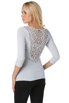 #TATI - T-shirt avec dentelle mécanique - 10€,99 => Ou comment faire de votre dos un très bel atout de charme ! http://www.tati.fr/vetements-femme/t-shirt-sous-pull/tous-les-produits/t-shirt-avec-dentelle-mecanique/115340/nall/d0/s/p/c/b/e.html