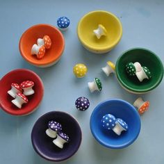 DIY Montessori/Waldorf Sorting Mushrooms - could make these out of wooden cabinet door knobs Baby Toys, Kids Toys, Children's Toys, Toddler Toys, Christmas Gift Guide, Christmas Gifts, Activities For Kids, Crafts For Kids, Montessori Toys