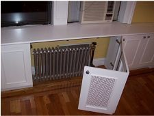radiator cover idea for kitchen ** It would be nice to add something like this to the kitchen where there might be a continueation of the counter top that continues over radiator Bedroom Radiators, Home Radiators, Kitchen Radiators, Diy Storage Bench, Diy Bench, Furniture Storage, Toy Storage, Diy Furniture, Diy Interior