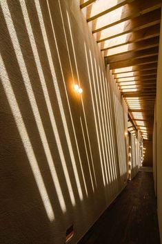 奈良の住宅 - 二世帯住宅事例|SUVACO(スバコ) Stairs, Architecture, Interior, House, Attic, Home Decor, Arquitetura, Loft Room, Indoor