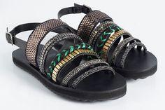 Uma seleção de sapatos sem couro, de marcas brasileiras e produzidos no Brasil, para ninguém botar defeito e sair por ai com os pés livres de crueldade.