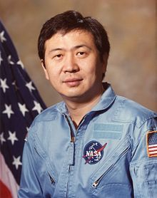 Taylor Gun-Jin Wang (born June is an American scientist and in became the first ethnic Chinese person to go into space. While an employee of the Jet Propulsion Laboratory, Wang was a payload specialist on the Space Shuttle Challenger mission Chinese American, American History, Edwards Air Force Base, How To Study Physics, Indian Space Research Organisation, Space Shuttle Challenger, Nasa Astronauts, Space Program, Type 1 Diabetes