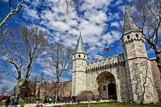 Topkapı Palace in Istanbul Fifteen sites in Turkey now on UNESCO World Heritage List Istanbul Hotels, Istanbul City, Istanbul Turkey, Istanbul Guide, Istanbul Travel, Turkey Europe, Turkey Travel, Famous Monuments, Famous Landmarks