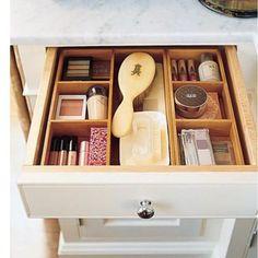 E que tal uma gaveta organizada com módulos pra começar bem a semana pessoal !!