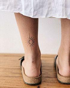 Hand poked sun and moon tattoo. Hand poked sun and moon tattoo.,Tattoos Hand poked sun and moon tattoo. Mini Tattoos, Little Tattoos, Star Tattoos, Body Art Tattoos, Tatoos, Ribbon Tattoos, Tattoos Skull, Celtic Tattoos, Animal Tattoos