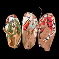 i need a moccasin pattern, beads and fishing line, and a lot of patience.