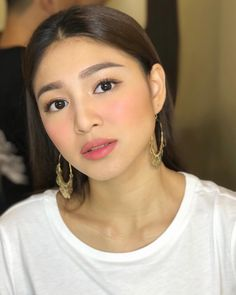 Simple & sweet everyday makeup look Nadine Lustre Makeup, Nadine Lustre Ootd, Nadine Lustre Fashion, Lady Luster, Beauty Care, Beauty Makeup, No Make Up Make Up Look, Human Body Organs, Filipina Beauty