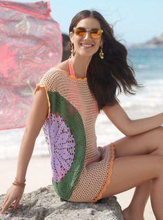 Ein sommerlicher Farbenmix, luftig-leichte Häkelmaschen plus dekorative Filethäkelei - mit diesem Top haben Sie die richtige Wahl für einen entspannten Strand-Look getroffen.
