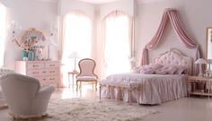 🇮🇹Made in Italy. Order NOW: 📞+971 58 808 45 25 superbiadomus@gmail.com Delivery worldwide✈️🌍 Bed Decor, Bedroom Decor Design, Bed Design, Classic Bedroom Furniture, Bedroom Makeover, Luxurious Bedrooms, Shabby Chic Bedrooms, Shabby Chic Room, Girl Bedroom Decor