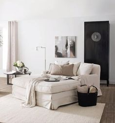 Living Room Lounger - Interior Design Ideas & Home Decorating Inspiration - moercar Source by laurenalvina Decor bedroom Home Living, Living Room Modern, Living Room Designs, Living Spaces, Small Living, Living Rooms, Living Room Furniture, Living Room Decor, Wooden Furniture