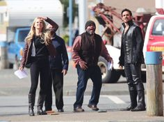 Pin for Later: Captain Hook and Emma Get Close in Once Upon a Time Season 4  Emma (Jennifer Morrison) and Hook (Colin O'Donoghue) looked worried with Grumpy (Lee Arenberg) on Thursday.