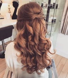 39 Gorgeous Half Up Half Down Hairstyles 39 Gorgeous Half Up Half Down Hairstyles & Fabmood & Wedding Colors, Wedding Themes, Wedding color palettes The post 39 Gorgeous Half Up Half Down Hairstyles & Wedding appeared first on Hair styles . Wavy Wedding Hair, Wedding Hair Down Styles, Hair Styles For Grad, Braids For Wedding, Wedding Down Dos, Curly Bridal Hair, On Your Wedding Day, Wedding Hair Inspiration, Bride Hairstyles