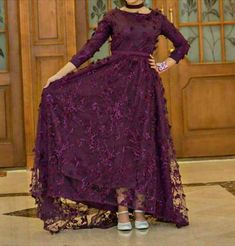 How beautiful this dress with his burble. A fashionable dress with small jober flowers saved by Roka Hijab Evening Dress, Hijab Dress Party, Hijab Style Dress, Evening Dresses, Red Lace Prom Dress, Wedding Dress Sleeves, Simple Dresses, Beautiful Dresses, Mode Abaya