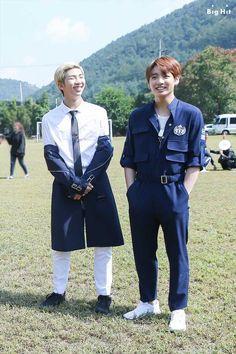 Namjoon and Jungkook discovered by BTS (방탄소년단) Kookie Bts, Bts Bangtan Boy, Bts Boys, Bts Jungkook, Namjoon, Rapmon, Hoseok, Bts France, Bangtan France