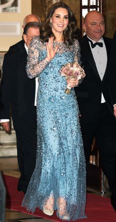 Kate Middleton in a light blue Jenny Packham long-sleeve gown with sheer, embellished overlay at the Royal Variety Performance in London. Style Kate Middleton, Kate Middleton Dress, Princesa Kate, Royal Dresses, Blue Dresses, Duchesse Kate, Princesse Kate Middleton, Style Royal, Prince William And Kate