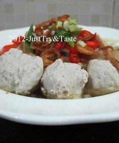 Membuat Bakso Ikan: Homemade Fish Balls | Just Try & Taste