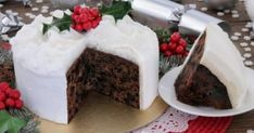 The Ballymaloe Queen of Irish cooking, Darina Allen's very own tasty twist on the traditional Irish Christmas cake classic. Xmas Food, Christmas Desserts, Christmas Baking, Irish Christmas, Christmas Cakes, Food Cakes, Ireland Food, New Year's Cake, Edible Food