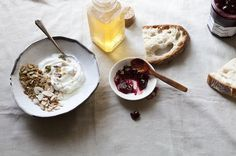 daydreamvacation: food milkandmead: Simply Breakfast