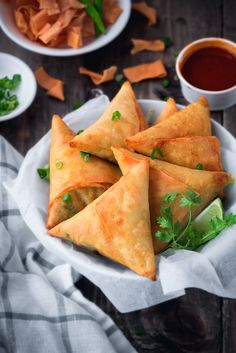 Are you looking for an easy yet delicious Keema Samosa recipe? Wow your guests this awesome recipe at your next party or serve up alongside some of your other favorite recipes found at Cubes N Juliennes today! Samosas, Meat Samosa, Keema Samosa, Indian Snacks, Indian Food Recipes, Asian Recipes, Healthy Recipes, Spinach Recipes, Tofu Recipes