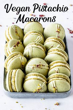 These are my Vegan Pistachio Macarons, made using the French method, filled with Vegan Pistachio Buttercream. Using pistachio flour in the shells. Healthy Vegan Dessert, Cake Vegan, Healthy Cookie Recipes, Vegan Dessert Recipes, Vegan Treats, Vegan Food, Cookies Vegan, Vegan Keto, Healthy Cookies