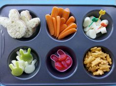 Muffin tin meal - this would be a good dinner/lunch idea for kidlets.
