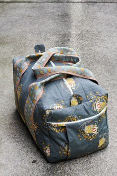 Travel Handmade: Duffel Bag! by Jeni Baker, via Flickr | some great tips from Jeni who made the bag using Simplicity pattern 2274