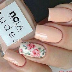 Salmon nail flores