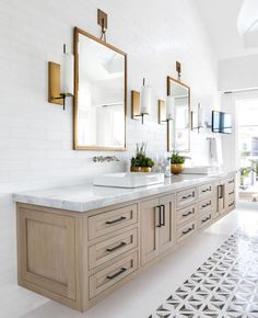 "Lindye Galloway on Instagram: ""Excited to roll into the week with bright whites, natural hues, and pops of brass (my favorite)! Can we talk about how open this space…"" White Vanity Bathroom, Wood Vanity, Warm Bathroom, Bathroom Colors, Bathroom Sconces, Top Mount Bathroom Sink, Wood Bathroom Cabinets, Master Bathroom Vanity, Gray Vanity"