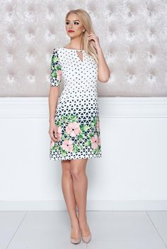 Comanda online, Rochie cu imprimeuri grafice LaDonna alba cu croi larg. Articole masurate, calitate garantata! Short Sleeve Dresses, Dresses With Sleeves, Spring New, Special Events, Sunnies, Collection, Design, Fashion, Gowns With Sleeves