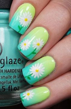 pretty spring daisy nail art