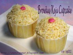 Brownies Kukus keju Cupcake Browkus keju yg aku buat di cupcake supaya simple..buat bekal anak2 sekolah. Base cake aku pake resep brow...