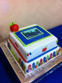 Sweet Dreamz Delights of Miami's Kindergarten graduation cake. http://www.sweetdreamzdelights.com