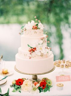 Subtle golden accents on an otherwise simple cake are a gorgeous touch.
