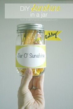 Such a fun gift idea for friends or neighbors! Just print off the label and fill with fun yellow things! Jar Gifts Gifts in a Jar Cute Gifts, Best Gifts, Do It Yourself Organization, Box Of Sunshine, Secret Pal, Appreciation Gifts, Employee Appreciation, Inexpensive Gift, Jar Gifts
